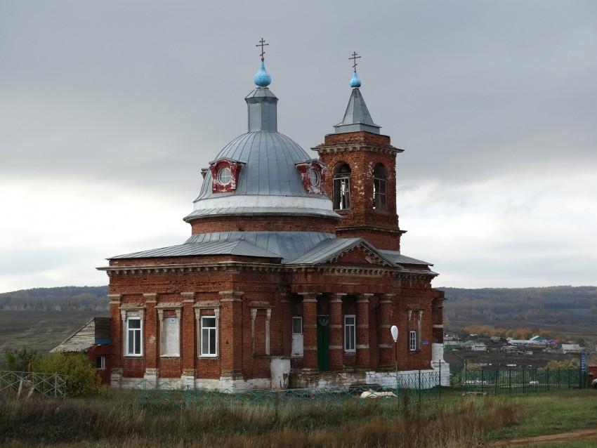Церковь каменная в честь Алексея человека Божьего в Репьевке