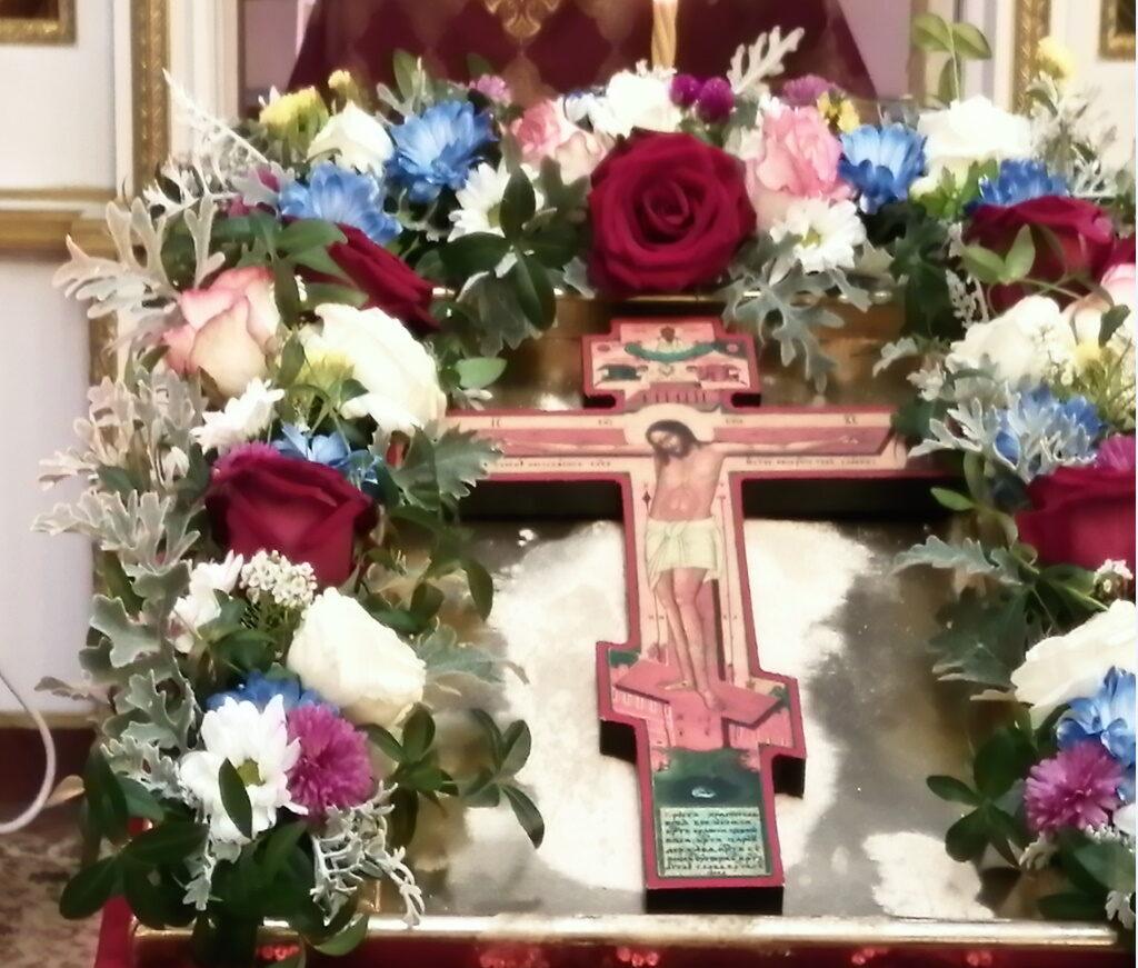 Воздвижение Честного и Животворящего Креста Господня праздничная икона в храме Николая Чудотворца